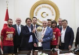 Başbakan Yıldırım, Göztepe'yi kabul etti