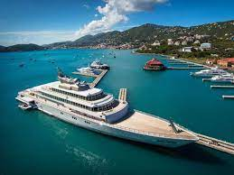 Millionen-Yacht aus, auf der Jeff Bezos ...