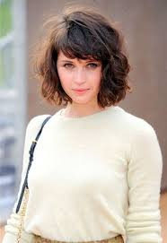 Short Hair Style With Bangs c5a1acc2a49aee0dca3edbf033b8e043jpg 7361071 shortcurly 6987 by wearticles.com