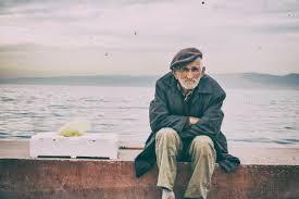 Fotos gratis : playa, mar, agua, Oceano, para caminar, persona, invierno,  calle, antiguo, foto, vacaciones, masculino, sentado, abandonado, muerte,  temporada, anciano, huérfano, triste, soledad, Turquía, fotografía, tumba,  Terry, Pensamientos, infeliz ...