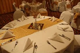 stunning image of wedding table decoration with white and gold table centerpiece engaging white wedding