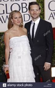 us actor tobey maguire and his wife us jewelry designer jennifer meyer arrive for the 67th golden globe awards in los angeles usa 17 january 2010