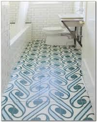 Fliesen Badezimmer Mediterran Blau Weiss Gruen Klo Badewanne Module