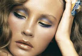 don t mix metals mon sense dictates that you should stick to either gold or silver makeup but try mixing them for a futuristic