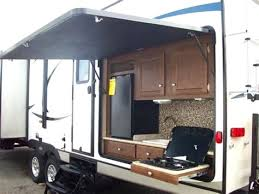 portable toy hauler with outdoor kitchen