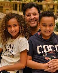هاني شاكر بعد زفاف ابنه شريف: ابنتي الراحلة دينا شاركتنا الفرحة ]