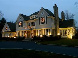 7 Steps to Sprucing up Your Winter Curb Appeal \u2013 Better HouseKeeper