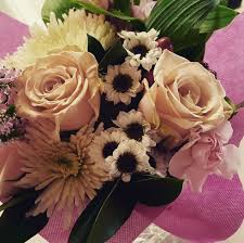 beautiful flowers bouquet bunch of flowers close up daisies flower bouquet pink roses wallpaper and background