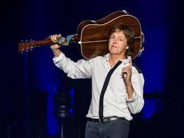"""Paul McCartney parla del suo patrimonio e il rapporto con i soldi: """"La cosa  più bella che puoi fare con il denaro? Aiutare gli altri"""""""