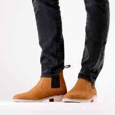 These are understated colors that work well with most clothes. Men S Tradition Warm Almond Brown Chelsea Boots Bernard De Wulf
