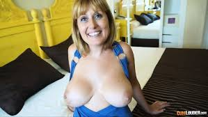 Mommy with big tits enjoys sex