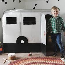 Easy Forts To Build Thinking Outside The Box 10 Ingenious Cardboard Forts Parenting