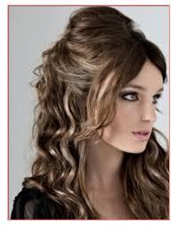 Acconciatura Capelli Lunghi E Ricci Hairstyles Popolari In