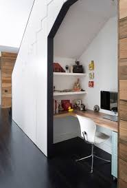 Under the stairs integrated workspace | Minimal Desks - Simple workspaces,  interior design
