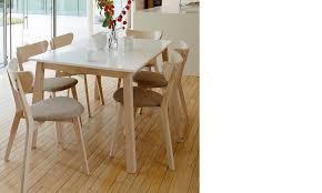 Table style scandinave en bois | HcommeHome