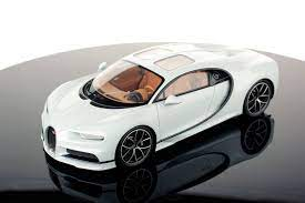 This is the special edition sky view with windows in the roof. Bugatti Chiron Sky View 1 18 Mr Collection Models