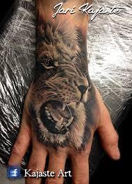 тату на льва на руке мужские тату браслеты на руку многие