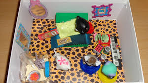 Shoebox Bedroom How To Make A Shoebox Doll Lps Bedroom Easy Lps Crafts Doll