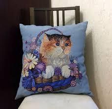 Новая декоративная <b>подушка</b> голубая с вышивкой кота или ...