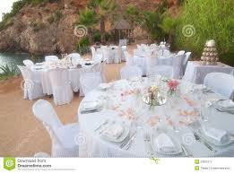 Pranzo Nuziale O Nuziale : Banchetto di cerimonia nuziale della spiaggia immagine stock