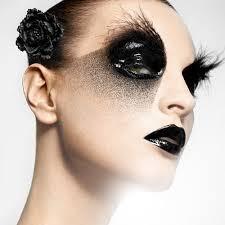 black eye makeup photo 1