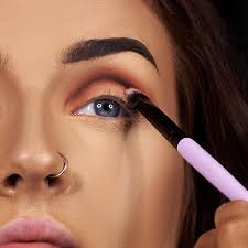 1 use the lunar beauty life s a drag palette to build definition on the right eye apply sickening to the crease as a transition mix mug and hunting into
