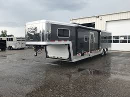 new 2019 logan coach trailers toy hauler with living quarters model 2286sgm