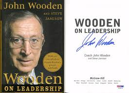 details about coach john wooden signed wooden on leadership hc 1st ed psa dna autographed ucla