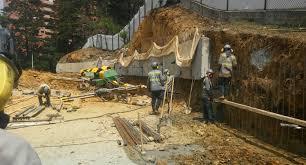 Construccin de anclajes y drenes en proyecto Q office -Medelln