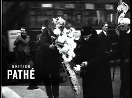 Princess beatrice is ninth in line for the british throne. Princess Beatrice 1929 Youtube
