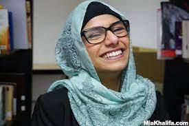 تضامناً مع المسلمين.. ميا خليفة تقرر سحب أفلامها في فرنسا
