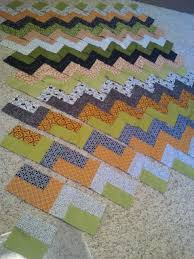 Now this one I could do. These are not my colors, but, this ... & These are not my colors, but, this Chevron Quilt Tutorial is SO CLEVER --  it's all strips with straight seams! Very easy p… | Pinteres… Adamdwight.com