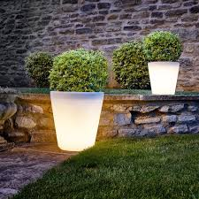 outdoor lighting ideas for backyard. 8 Outdoor Lighting Ideas To Inspire Your Spring Backyard Makeover / For