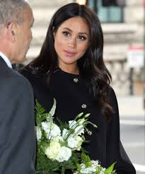 meghan markle does all her own makeup we re impressed
