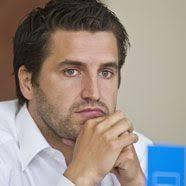 FC Lustenau 1907 Manager Wolfgang Hartter beendet mit Jahresende seine. Tätigkeit beim FCL07. Bernhard Erkinger wird mit Jahresbeginn 2012 seinen Platz beim ... - news-20110907-09590500-607588660