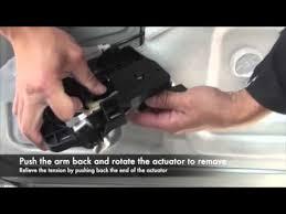 fixing a peugeot 1007 sliding door fault youtube Peugeot 1008 fixing a peugeot 1007 sliding door fault