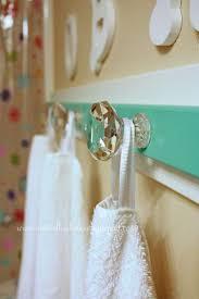 Bathroom Towel 17 Best Ideas About Hanging Bath Towels On Pinterest Bathroom