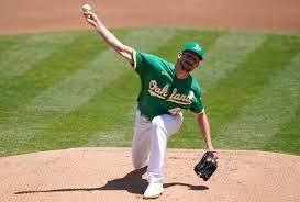 Chris Bassitt has a big boy inning for ...