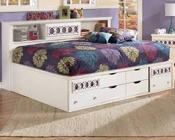 Contemorary Bedroom with Full Size Platform Bed Storage Drawers