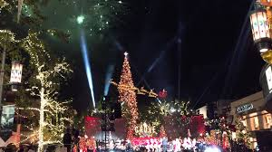 2016 tree lighting at the grove in los angeles