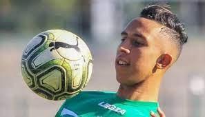 الدوري المغربي | تفاصيل جديدة تقرب سفيان رحيمي من الانتقال للأهلي المصري