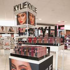 Kylie Jenner Sells $600 Million Stake ...