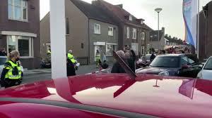 Tweede kamer vindt bonus zorgpersoneel gerechtvaardigd: Vliegtuig Verliest Onderdelen Na Start Vliegveld Maastricht Twee Gewonden Rtl Nieuws
