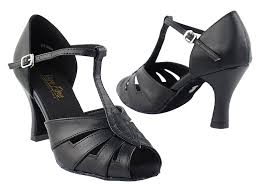 2702 black leather with 3 heel in the photo