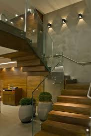 Jardim de Inverno Pequeno e Simples com cascata, paletes e pergolado. Wood  StairsRailings ...