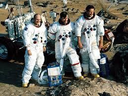 「1972年 - アメリカの有人月宇宙船アポロ16号が地球に帰還。」の画像検索結果