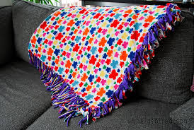 How to Make a No-Sew Blanket to Keep Warm this Winter & VIEW IN GALLERY Finished no-sew blanket Adamdwight.com