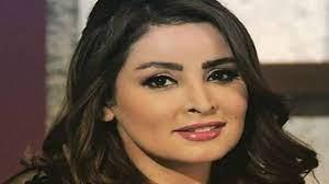 """الممثلة مروة محمد تهاجم الرجال في مقطع فيديو """"الكلاب أوفى منكم"""" - عرب فايف"""