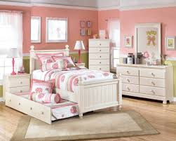 Pink Bedroom Furniture For Kids Bedroom Decor White Fluffy Carpet With Pink Wall Texture Paint