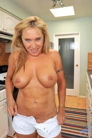 Mature Ladies Sex and MILF Pics Anilos housewife Luna rewards.